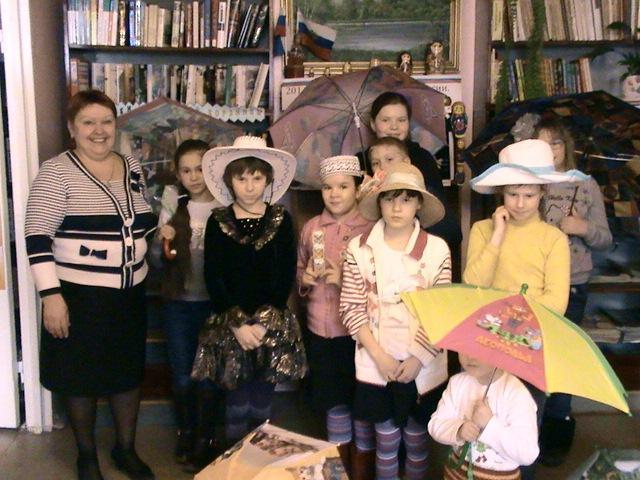 """""""Весенний праздник шляпок, зонтиков и бантиков"""""""